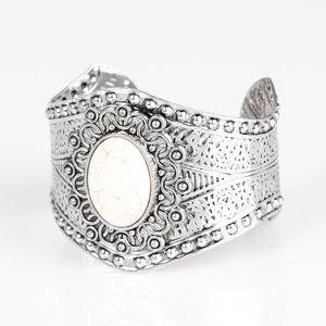 Jewelry - Paparazzi jewelry!